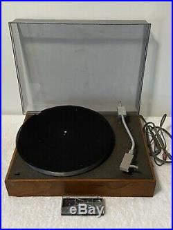 Acoustic Research Vintage AR model XA turntable Record Player For Parts / Repair