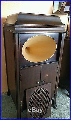 Antique 1920 Brunswick Phonograph Record Player Upright Crank Model # 212