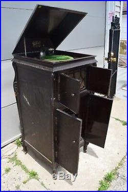Antique Rare The Venetian Talking Machine Crank Arm Record Player wooden Cabinet