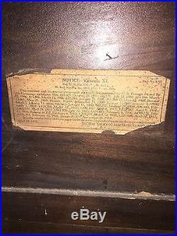 Antique Victrola VV-XI Record Player Phonograph