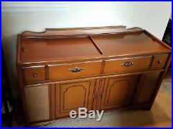 MidCentury Modern Magnavox Stereophonic Solid State Stereo Console/Record Player