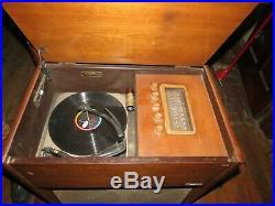 VINTAGE MAGNAVOX CONSOLE STEREO AM/FM RADIO RECORD PLAYER, Mid Century Case