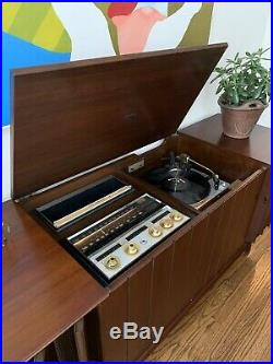 Zenith Mid Century Stereo Console X960 Working, Sounds Great Record Player